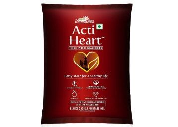 Nature Fresh Actiheart Blended Oil Pouch, 200ml At Rs.26