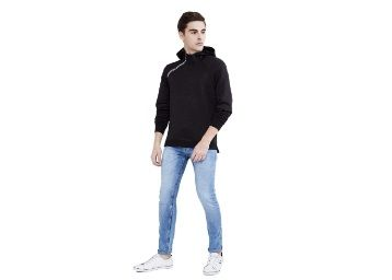 Max Men Sweatshirt at Rs. 427