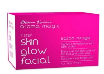 Flat 50% off on Aroma Magic Skin Glow Facial Kit at Rs. 400