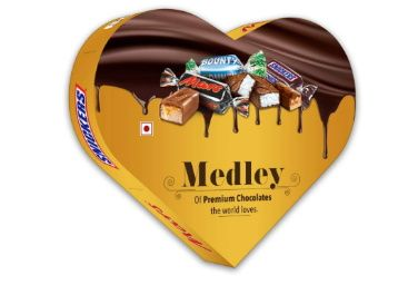 Snickers Medley Heart Shaped Assorted Chocolate Gift Pack for Valentines Day (Snickers, Mars, Bounty) - 180g Box at Rs. 249