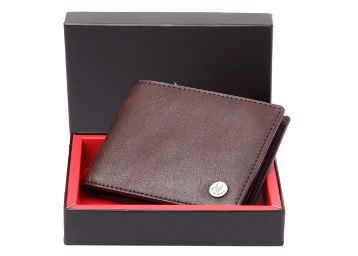 Flat 80% off on WildHorn® RFID Protected Genuine High Quality Leather Wallet for Men at Rs.299