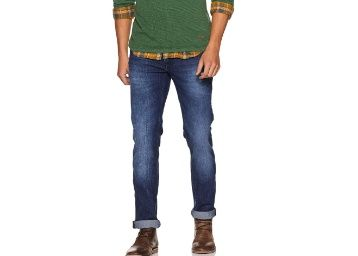 Flat 75% off on Lee Men