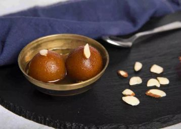 Sweet Offer : Gulab Jamun (10 Pcs) At Rs.7 Each + Free Delivery